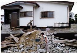 昭和53年宮城県沖地震の被災現場