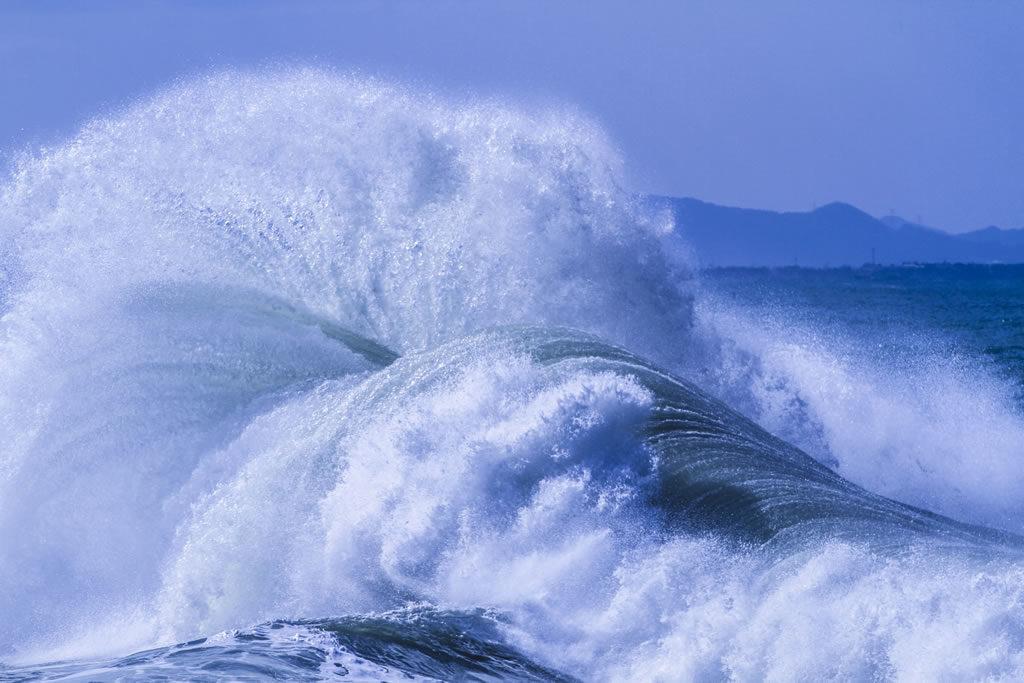 強風と荒波