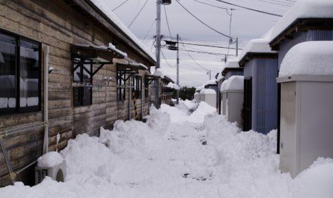 冬の仮設住宅