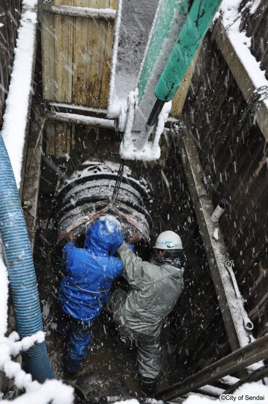 水道管の応急復旧工事